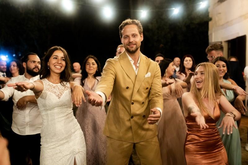 Wedding party with sax - wedding planner siena
