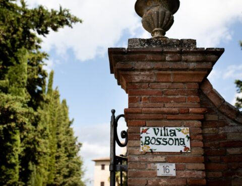 elegant villa for 20 guests in montepulciano - wedding planner siena