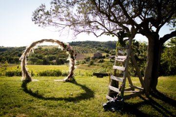BOHO CHIC ELOPEMENT - WEDDING CEREMONY ARCH