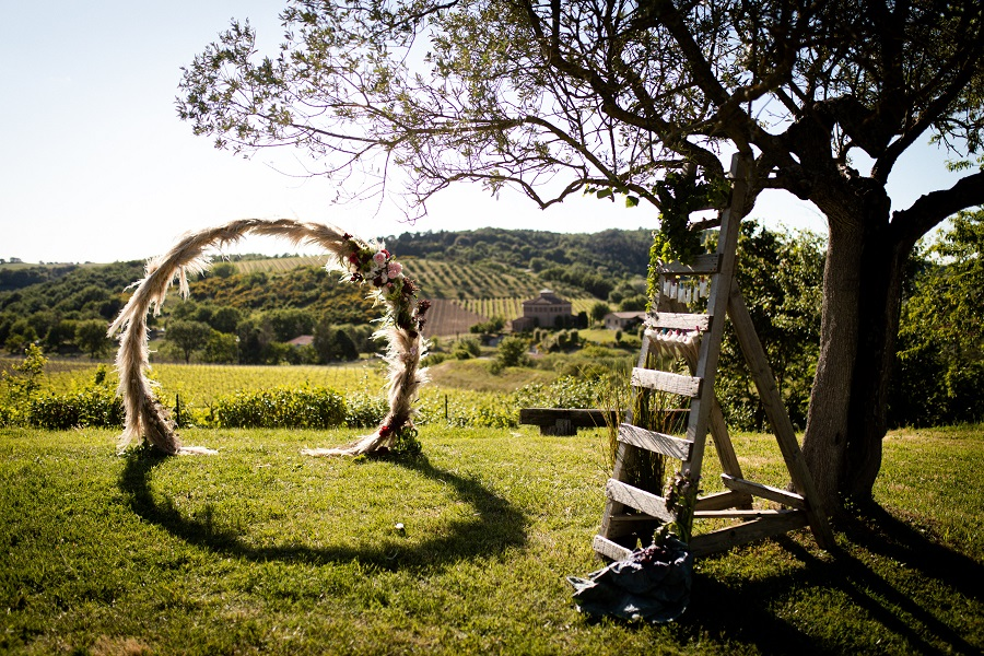 BOHO CHIC ELOPEMENT - WEDDING CEREMONY ARCH
