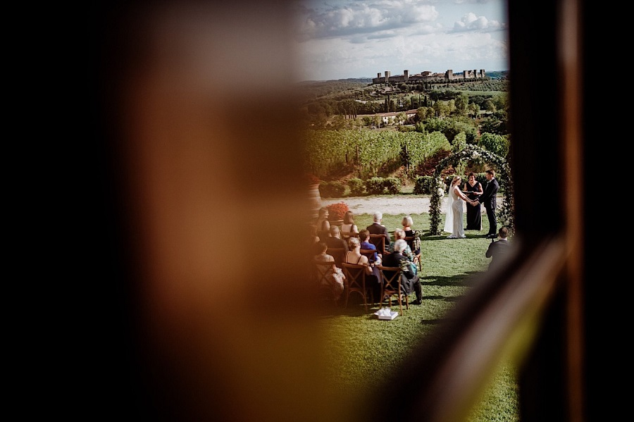 WEDDING CEREMONY OUTDOORS TUSCANY