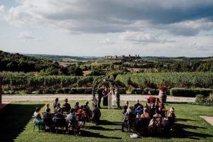 WEDDING CEREMONY OUTDOORS TUSCANY
