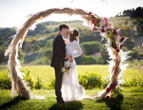 Boho elopement in the vineyards in Montepulciano Tuscany - wedding planner siena