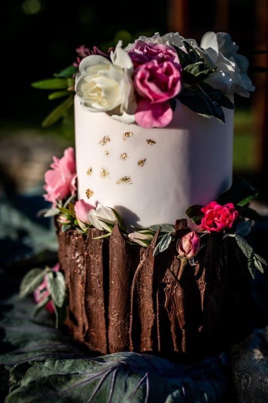 Boho style tiered cake - wedding planner siena
