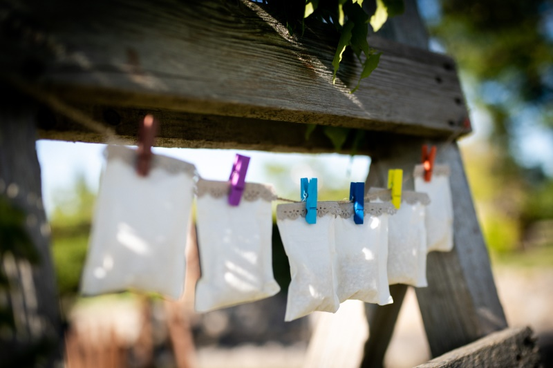 Rise bags as wedding confetti - wedding planner siena