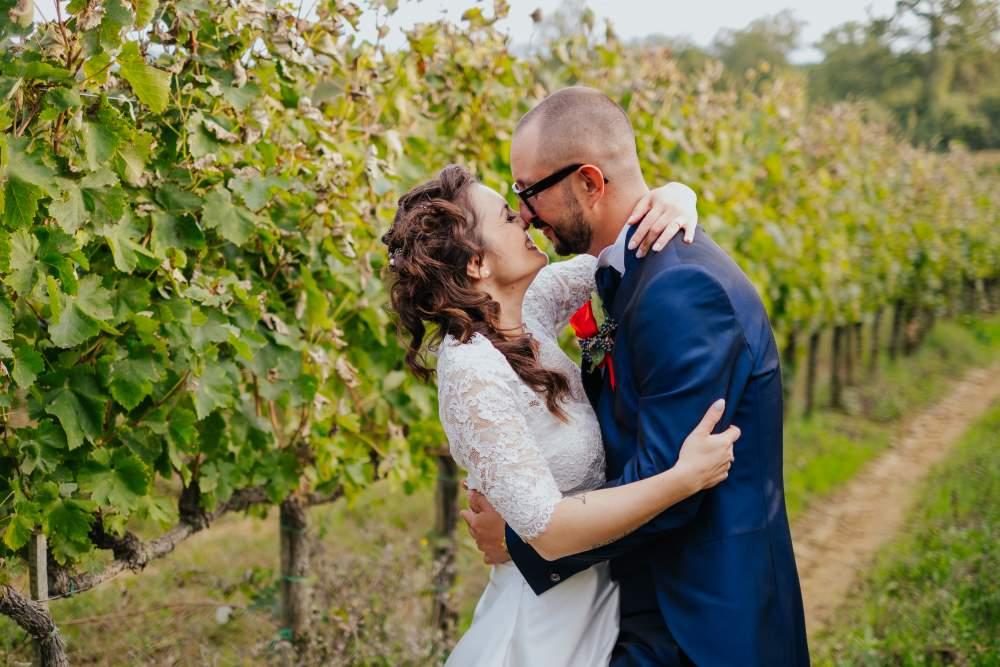 Couple portrait in the vineyards - filipino destination wedding planner Siena Tuscany