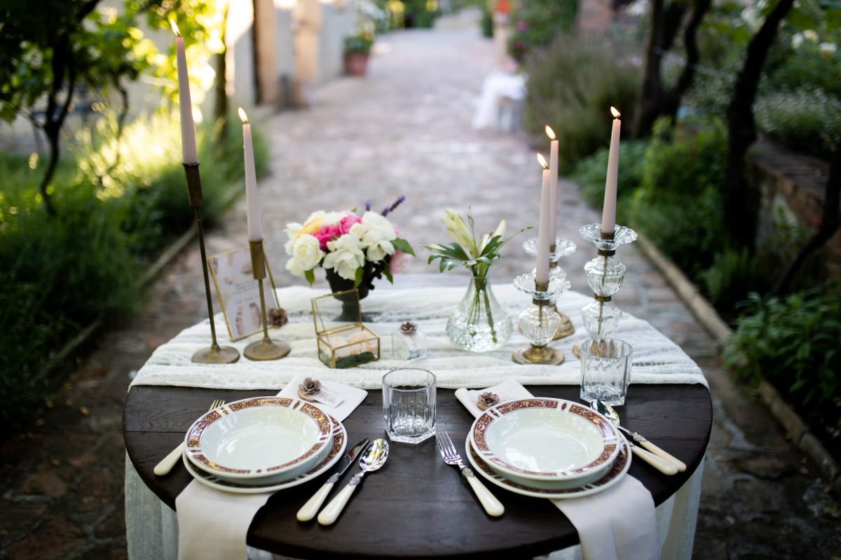 Boho elopement in Tuscany