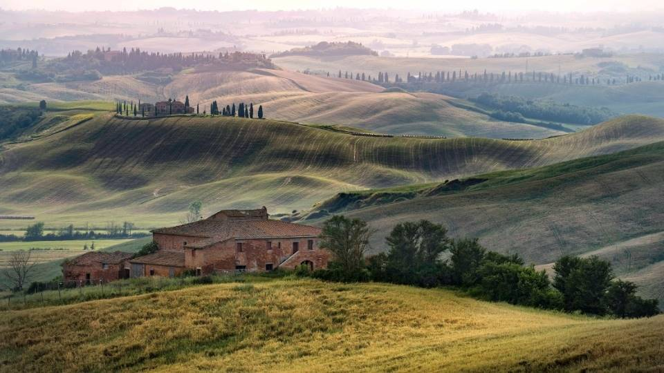 Tuscan landscape - getting married in Tuscany