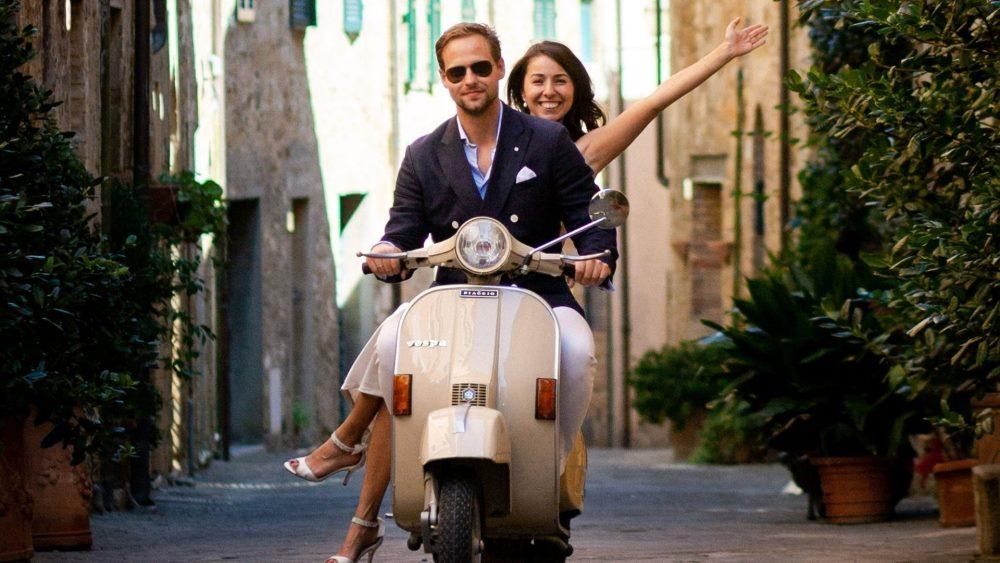 Vespa wedding Tuscany - La Dolce Vita wedding